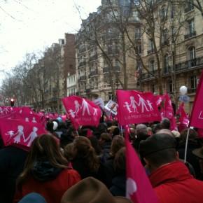 """La """"Manif pour tous"""" et le passeport de Gérard Depardieu: des actualités essentielles?"""