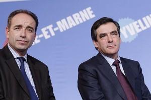 Jean-François Copé et François Fillon à Paris en 2010 lors de la campagne pour les élections régionales.