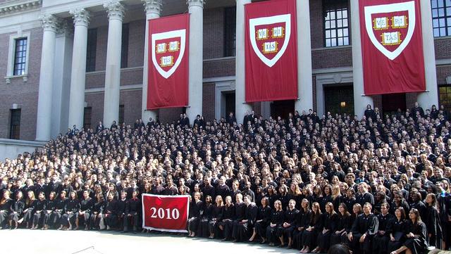 Diplômés de l'Université d'Harvard, 2010