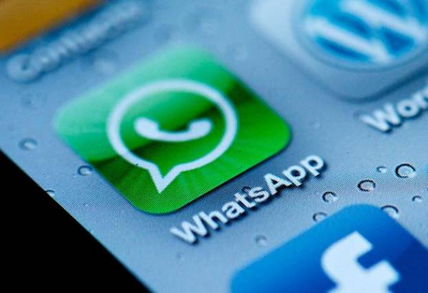WhatsApp, rachetée par Facebook - Tecnomovida Caracas, licence CC