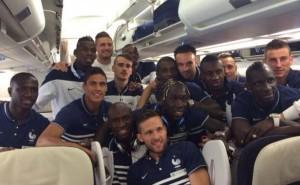 joueurs-equipe-france-football-avion-9-juin-2014-1610590-616x380
