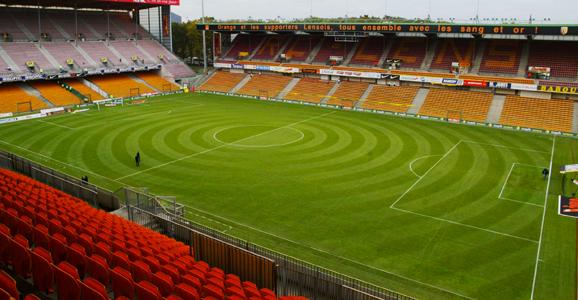 Etant donné l'importance des travaux, le RC Lens devra s'expatrier au Stade de la Licorne d'Amiens ou au Stade de France (photo : info-stades / Licence CC)