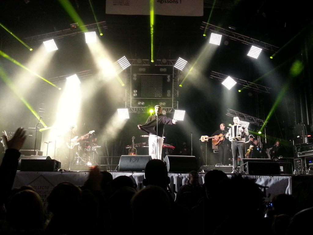 HK et ses saltimbanks, le dernier concert de la soirée (Photo Roxane Duboz)