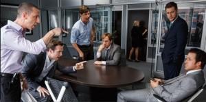 Jared Vennett rencontre le gestionnaire de fonds spéculatif, Mark Baum, et son équipe.Image du film par BagoGames (Flickr)