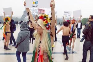 Joseph Paris, Manifestation de soutien des femen à Aliaa Magda Elmahdy , Mars 2012, Licence CC