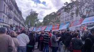 Une des nombreuses banderoles de la France Insoumise, mobilisant pour les élections législatives