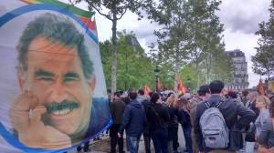 Stand pour la libération d'Abdullah Öcalan, fondateur du parti desTravailleurs du Kurdistan (PKK) considéré comme groupe terroriste en Turquie