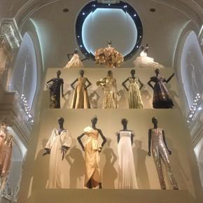 Christian Dior, couturier de rêve – exposition féerique aux arts déco