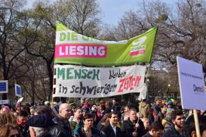 """Manifestation en Autriche en 2016, """"les réfugiés sont les bienvenus ! Non à la forteresse Europe"""" (Source : WikiCommons, Haeferl)"""