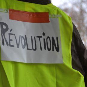 Gilets jaunesà La Réunion: le mouvement s'essouffle, le bilan s'alourdit