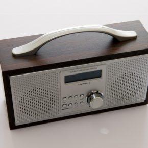 La radio numérique sur les ondes lyonnaises: une révolution tardive